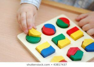 toddler-working-shape-puzzle